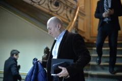 Scandal la PSD Braila, in lipsa lui Dragnea. Liderii partidului au intrat la sedinta pe usa din dos, huiduiti de localnici