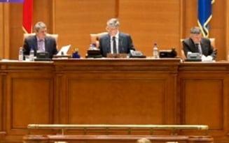 Scandal pe demisia lui Marko Attila - Deputatul a trimis o poza, Zgonea vrea originalul