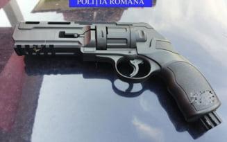 Scandal terminat cu focuri de arma intr-o localitate din Olt. Un barbat a fost arestat, trei persoane au ajuns la spital