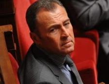 Scandal urias: Un deputat de origine romana arunca in aer fotbalul din Franta
