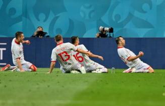 """Scandal urias in fotbalul romanesc dupa ce Hagi, Popescu si Dorinel Munteanu au fost trimisi sa vada meciul de la EURO 2020 la tribuna 2, in timp ce la VIP au stat politicieni. """"Ma doare sufletul. Nu am cuvinte"""""""