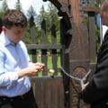 Scandalul Valea Uzului: Seful CJ Harghita acuza autoritatile romane ca vor sa stearga urmele din cimitir