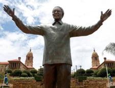 Scandalul iepurasului de bronz din urechea lui Nelson Mandela (Foto)