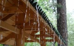 Scandalul taxei pentru apa de ploaie: primaria a decis sa o reduca la jumatate, iar un director a fost destituit