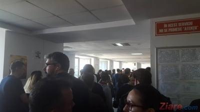 Scapam de cozile uriase din Pipera: De luni se va lucra de la 7:00 la 21:00, cu 60 de oameni detasati de la MAI