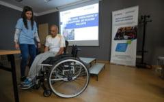 """Scaune rulante """"sport"""" pentru persoane cu probleme locomotorii: Tenis si baschet in scaun cu rotile"""
