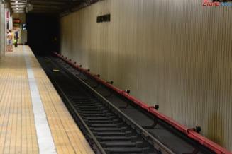 Scena de cosmar la metrou: Un barbat a fost prins de tren si tarat in tunel