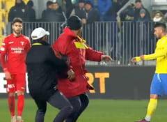 Scena incredibila in fotbalul romanesc: Un antrenor a vrut sa isi bata propriul jucator!