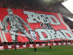 """Scena socanta pe stadion: Fanii au """"decapitat"""" un adversar"""