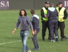 Scene amuzante in Liga a 2-a din Romania: Fotbalisti chemati de la vestiare sa mai joace doua minute!