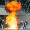 Scene de cosmar pe stadion: Derbiul Greciei, intrerupt de huligani (Video)