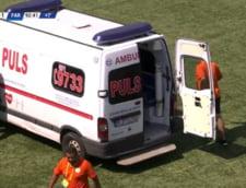 Scene greu de imaginat in Liga II din Romania! Soferul unei ambulante s-a chinuit sa porneasca motorul, dupa o grava accidentare pe terenul Concordiei