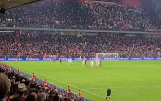 Scene uluitoare la Tirana, în preliminariile CM 2022. Ce-au făcut fanii albanezi la meciul decisiv cu Polonia. Incidente și la partida Anglia - Ungaria VIDEO
