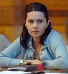 Schimb de replici intre Adriana Saftoiu si seful PNL Prahova
