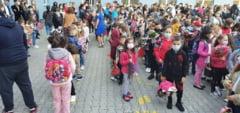 """Scoala Gimnaziala """"Mihai Viteazul"""" Campia Turzii - Festivitatea de deschidere a noului an scolar"""