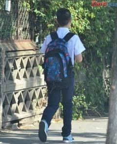 Scoala amendata pentru ca elevii erau obligati sa poarte uniforma - Regulamentul, discriminator
