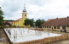 Scoala cu etaj pentru elevii si prescolarii din Cladova
