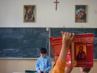 Scoatem religia din scoli? Educatie sau prozelitism? Dezbatere Ziare.com