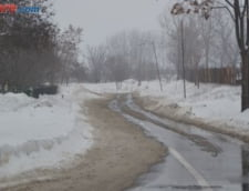 Scolile din Bucuresti, inchise luni si marti din cauza zapezii