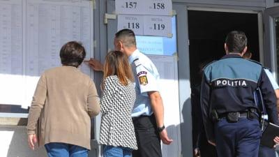 Scolile in care sunt amenajate sectii de votare intra in scenariul rosu. Ziua in care elevii se vor intoarce in clase