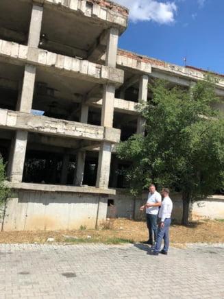 Scornicesti: Construirea unui nou bloc de locuinte ANL, in linie dreapta