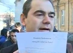 Scrisoarea cu 2.800 de semnaturi pentru retragerea titlului lui Ponta, depusa la Minister