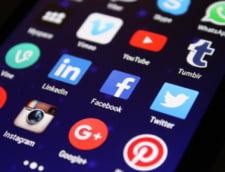 Scrolling-ul pasiv pe Facebook, Twitter si Instagram ne afecteaza emotional. Cand este benefica folosirea social media