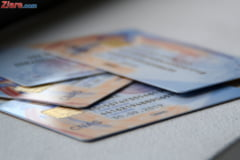 Scuze in scandalul cardului de sanatate: Mii de asigurati, invitati din ianuarie sa le ia, se inghesuie acum