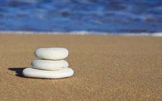 Se cauta hoti de nisip: Doi barbati au incarcat saci intr-o masina, pe plaja din Eforie