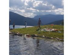 Se cauta voluntari pentru curatarea lacului Bicaz