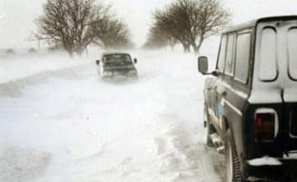 Se circula greu pe mai multe drumuri nationale - vezi unde face zapada probleme