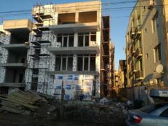 Se construieste HAOTIC! Locatarii unui bloc din buza marii au oprit in instanta constructia unui alt bloc!