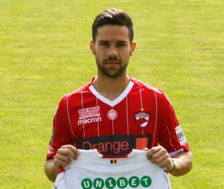 Se intampla in Liga 1: Fotbalistul prezentat de doua echipe diferite spune ca un contract a fost semnat