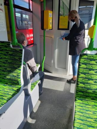 Se monteaza 150 de dispozitive cu dezinfectant in mijloacele de transport in comun
