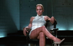 "Se relanseaza ""Basic Instinct"" - versiunea si mai explicita. Scene noi de sex cu Sharon Stone si Michael Douglas"