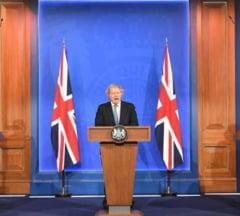 Se ridica restrictiile in Marea Britanie, dar calatoriile internationale raman interzise