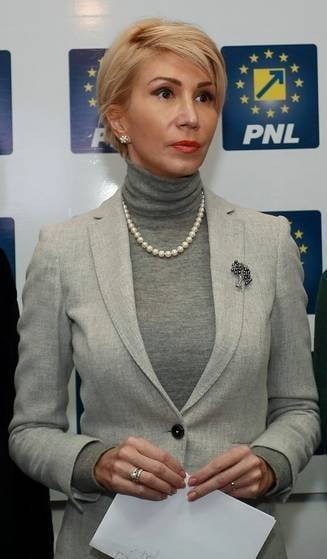 Se rupe PNL? Vine Ciolos? Raluca Turcan: Romania nu e la fel de usor de condus ca Teleormanul - Interviu