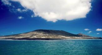 Se schimba harta lumii: O insula s-a format in Pacific, dupa eruptia unui vulcan (Galerie foto)