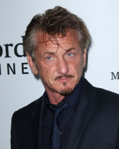 Sean Penn a renuntat la un proces de 10 milioane de dolari - ce l-a convins