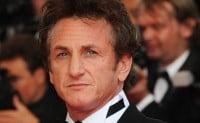 Sean Penn sfideaza legislatia franceza anti-fumat