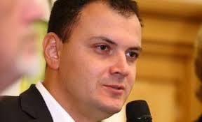 Sebastian Ghita, in razboi cu Ion Iliescu: Sa plece din PSD, nu are copii! Nu vrem sa fim saraci si cinstiti