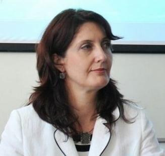 Secretarul de stat la Educatie Stefania Duminica, data afara de Ponta pentru plagiat