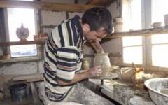 Secretele ceramicii de la Noaptesa: ultimul mester care poarta cu el povestea lutului