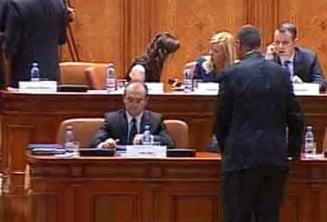 Sedinta Parlamentului a intarziat din cauza PSD
