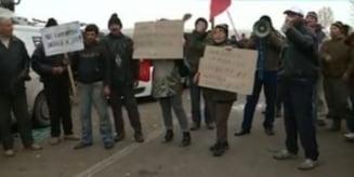 """Sedinta cu scantei la Pungesti: Consilierii au spus """"nu"""" gazelor de sist, satenii au stat cu ochii pe ei"""