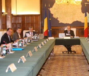 Sedinta de Guvern s-a incheiat. Ministrii au trecut la negocieri
