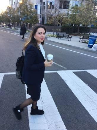 Sefa AEP a fost arestata! Saptamana trecuta isi bea cafeaua cu Maior la Washington, acum a ajuns dupa gratii