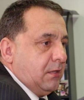 Seful ANOFM a primit mita in sacosa, in sediul filialei din Rasnov.