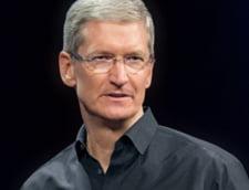 Seful Apple nu e cel mai bine platit director al companiei - Ce salariu a primit Tim Cook in 2015