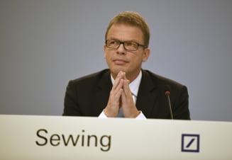 Seful Deutsche Bank dezminte ca banca e tinta unei preluari, dupa ce actiunile au scazut la un nivel record